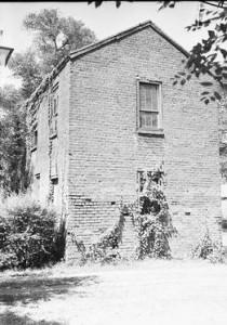 slave dwelling