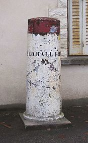175px-La_Queue-lez-Yvelines_Red_Ball_Express_crop