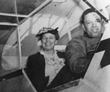 220px-Eleanor_and_Anderson_at_Tuskegee
