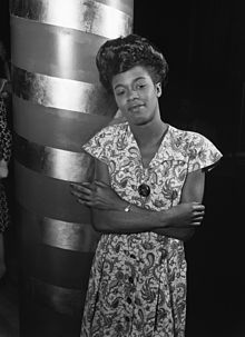 220px-Sarah_Vaughan_-_William_P._Gottlieb_-_No._2